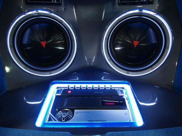 Мультимедийные «фишки» для вашего авто. Автогаджеты и аксессуары